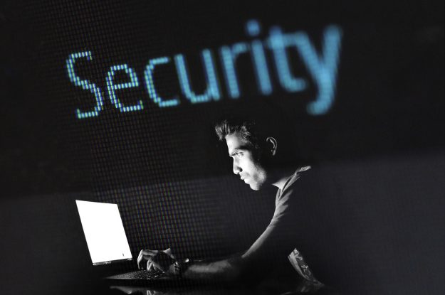 Как да защитим правата си след изтичането на лични данни от НАП